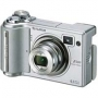 Цифровой фотоаппарат Fuji FinePix E500